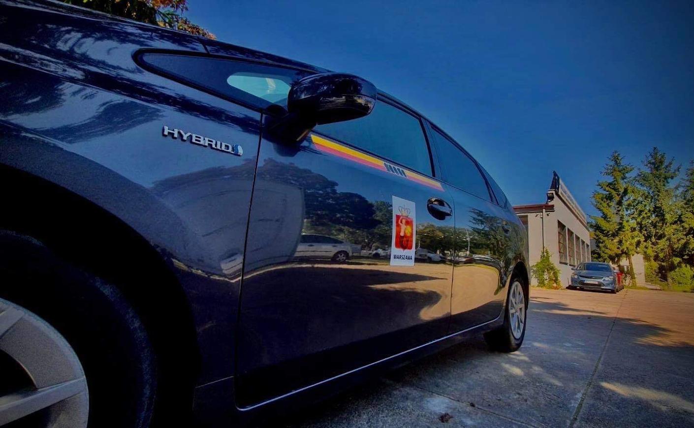 Ile zarabia taksówkarz?